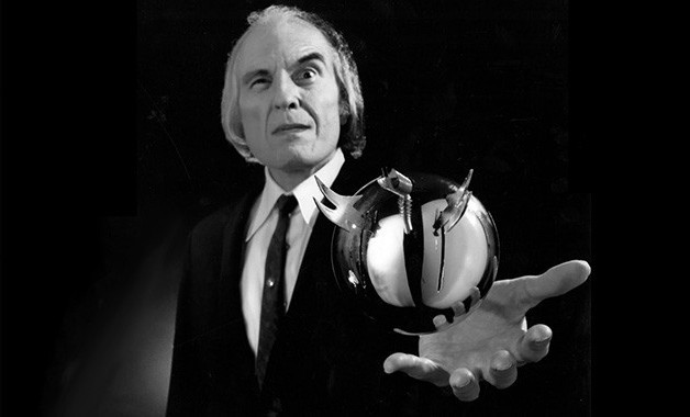 Angus Scrimm and sphere