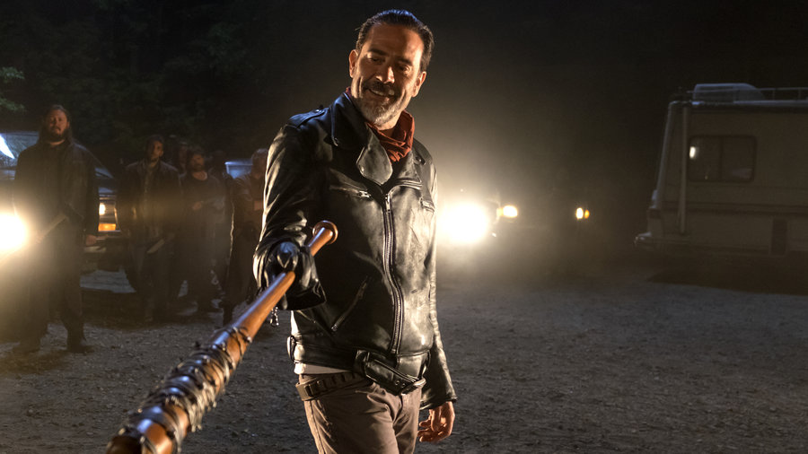 wd-s7-premiere-negan-and-bat